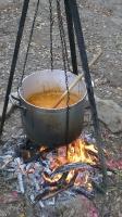 Lagerfeuersuppe selbst zubereiten